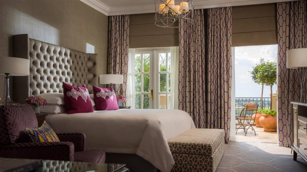 Four Seasons The Westcliff